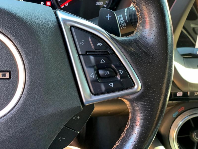 Chevrolet Camaro 2019 price $39,600