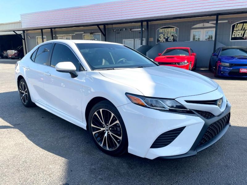 Toyota Camry 2018 price $21,400