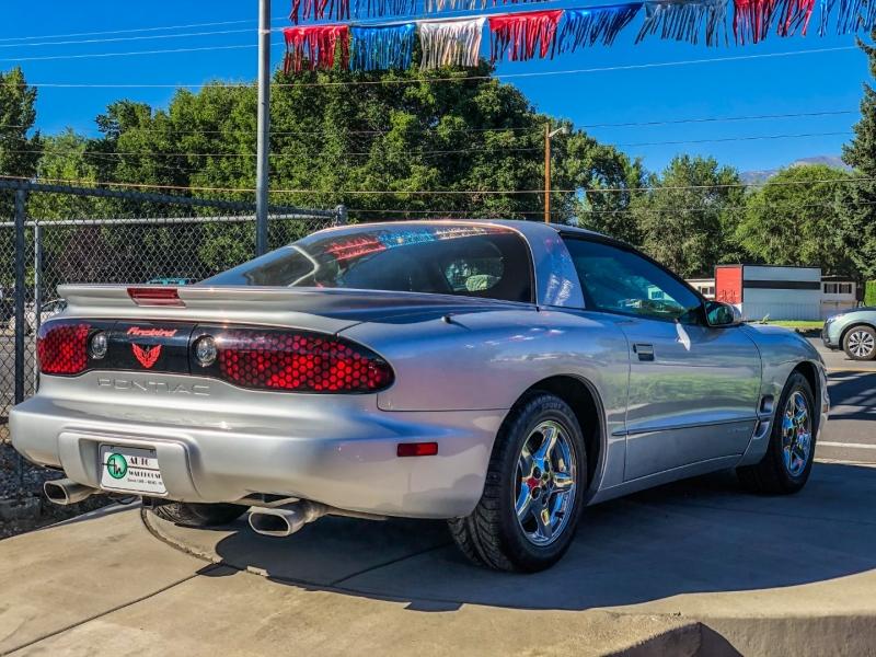 Pontiac Firebird 2000 price $16,995
