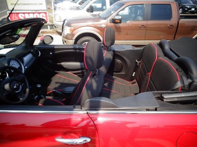Mini Cooper Convertible 2011 price $13,995