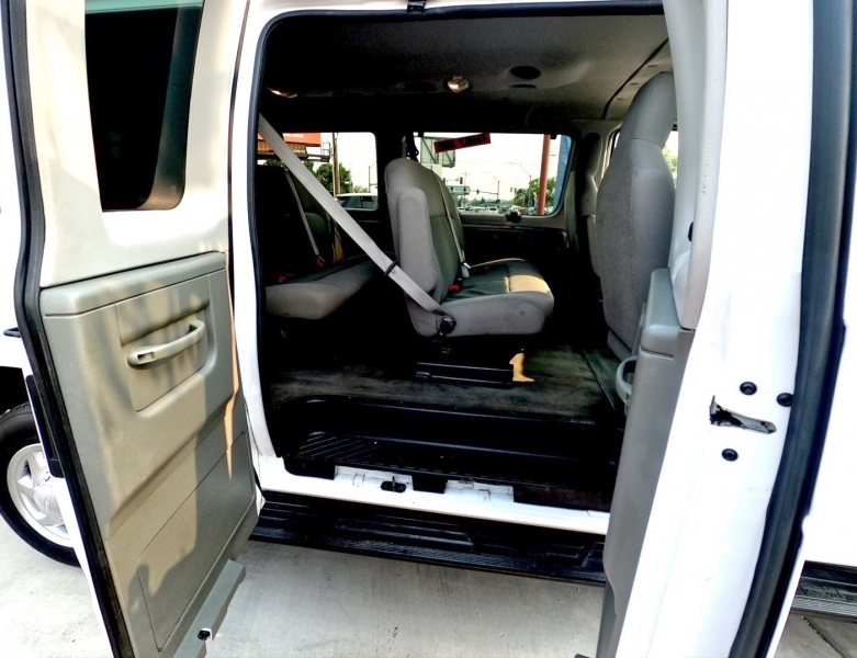 Ford Econoline Wagon 2014 price $20,995