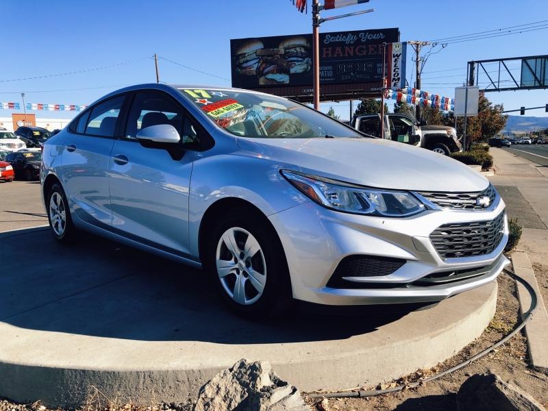 Chevrolet Cruze 2017 price $14,995