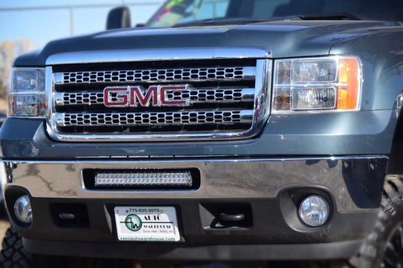 GMC Sierra 2500HD 2012 price $39,995