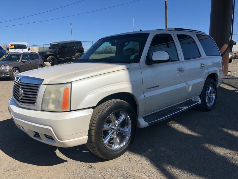Cadillac Escalade 2002 price $10,995