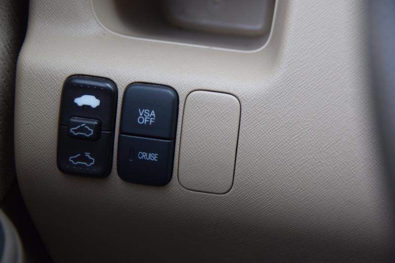 Honda CR-V 2006 price $9,995