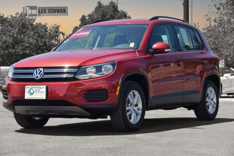 Volkswagen Tiguan 2015 price $15,995