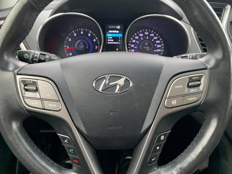 Hyundai Santa Fe 2014 price $17,888
