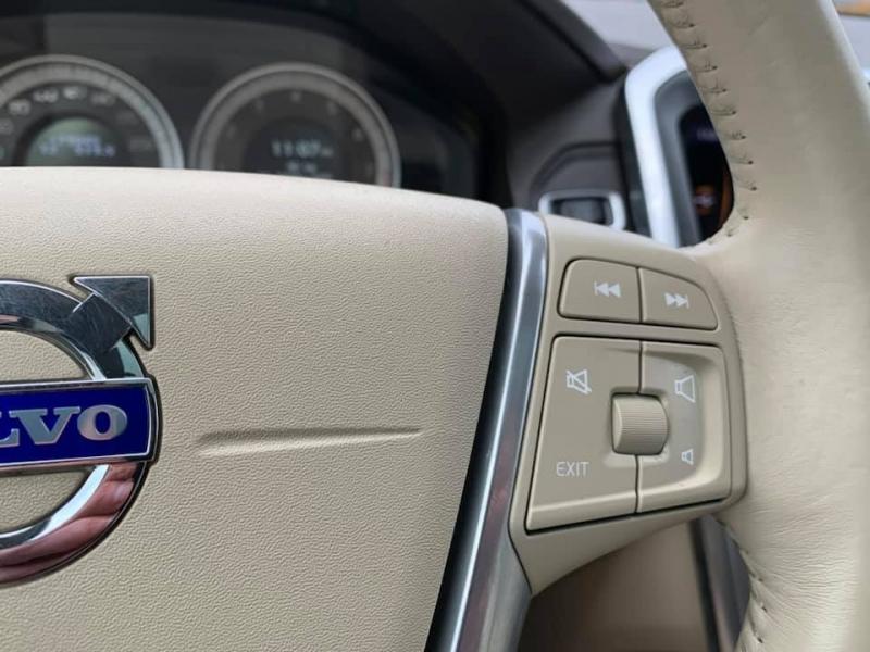 Volvo XC60 2012 price $12,869