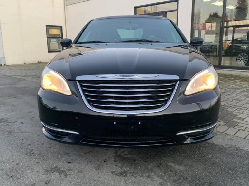 Chrysler 200 2013 price $6,869