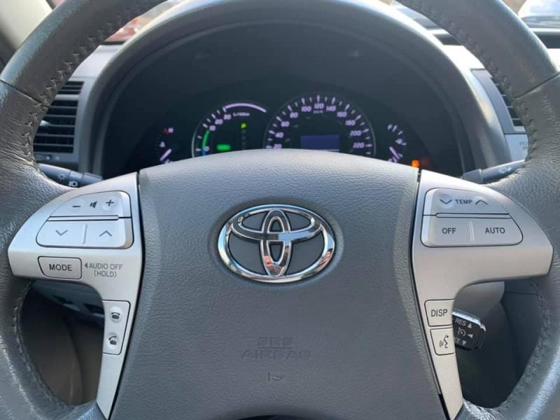 Toyota Camry Hybrid 2011 price $13,869