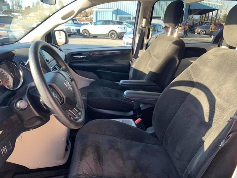 Dodge Grand Caravan 2015 price $12,869