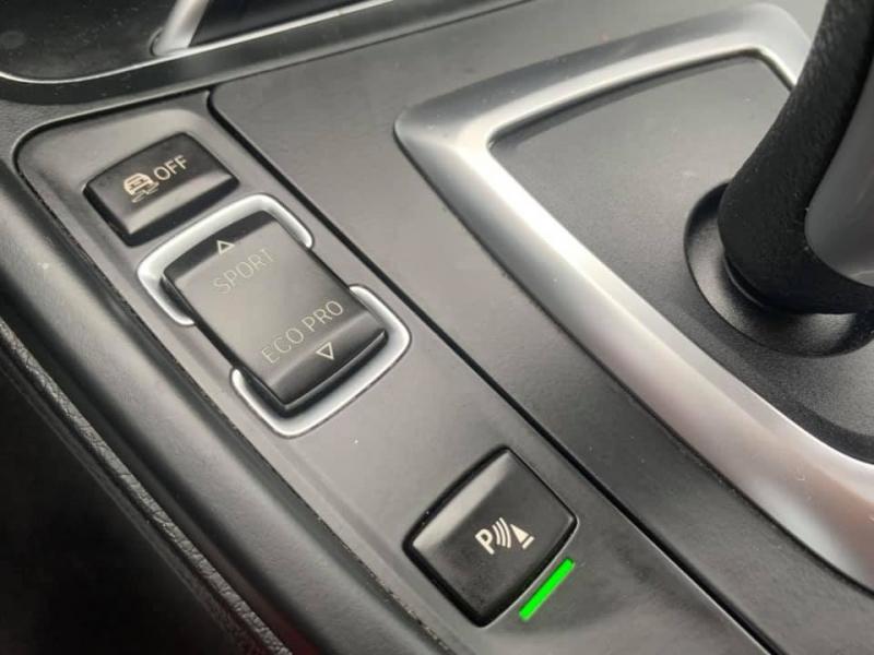BMW 3-Series 2017 price $27,869