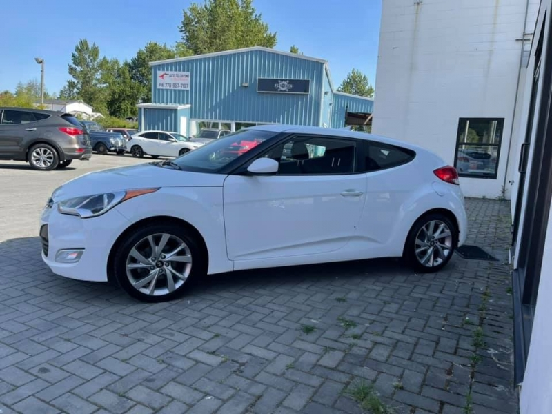 Hyundai Veloster 2017 price $12,869