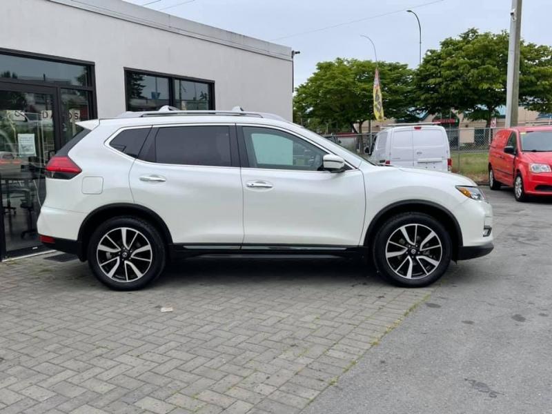Nissan Rogue 2017 price $20,869