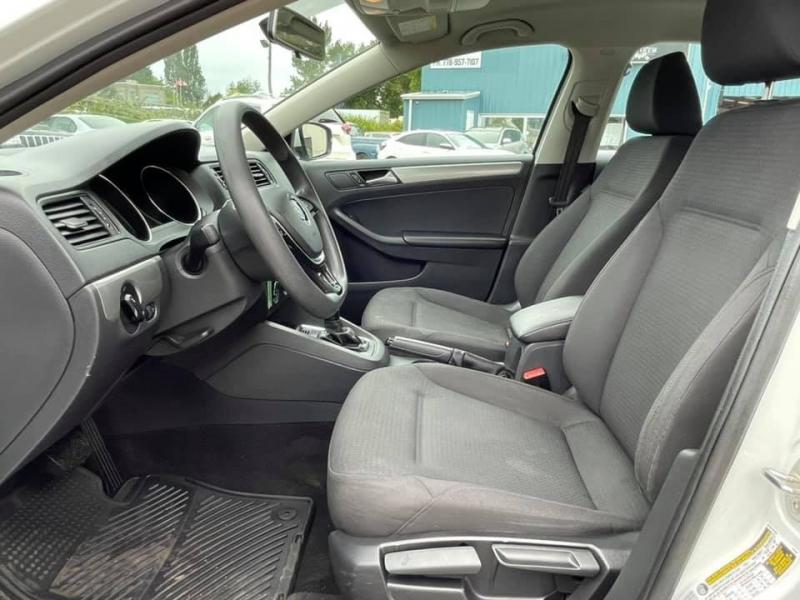Volkswagen Jetta Sedan 2015 price $8,869
