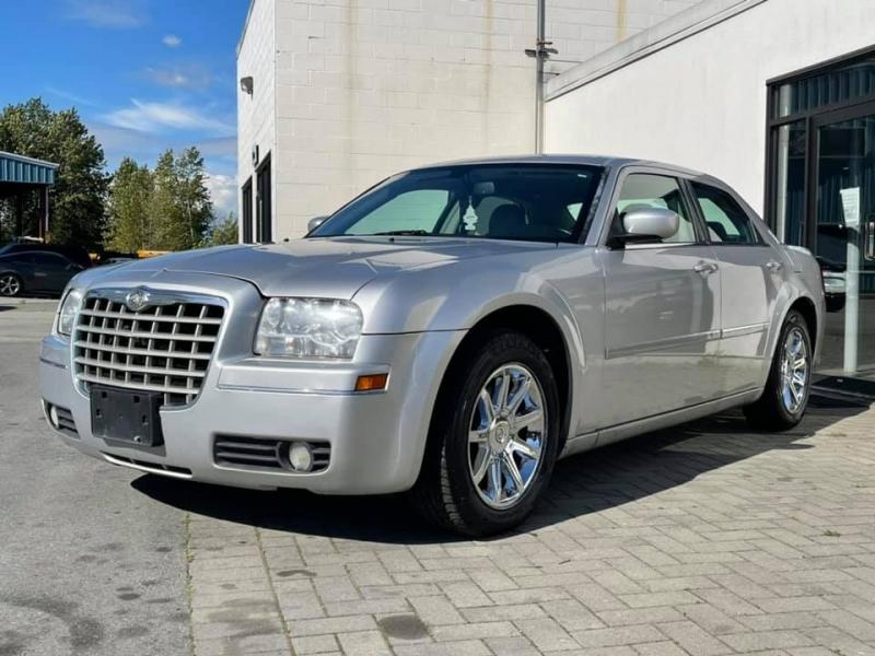 Chrysler 300 2006 price $5,869