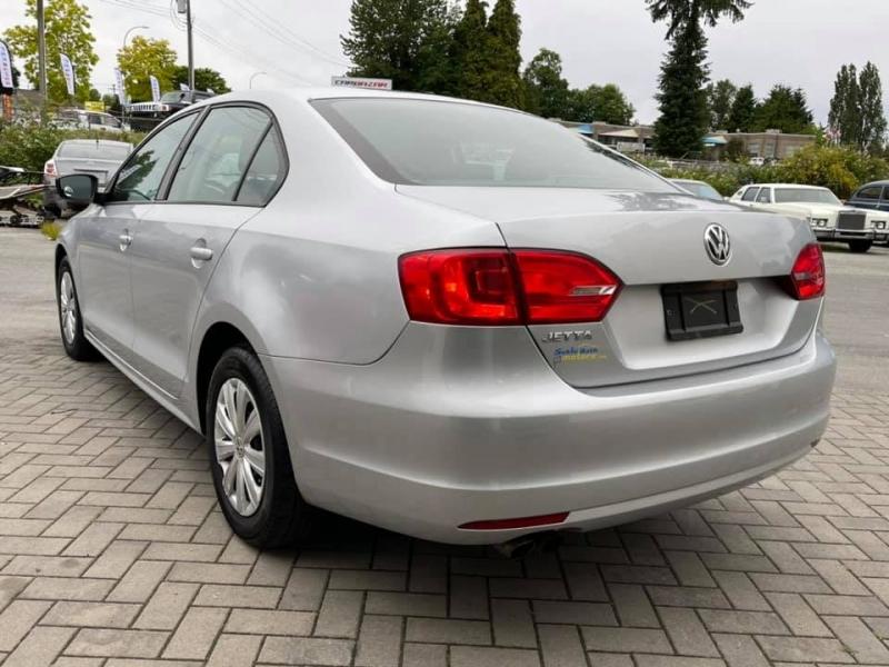Volkswagen Jetta Sedan 2013 price $8,869