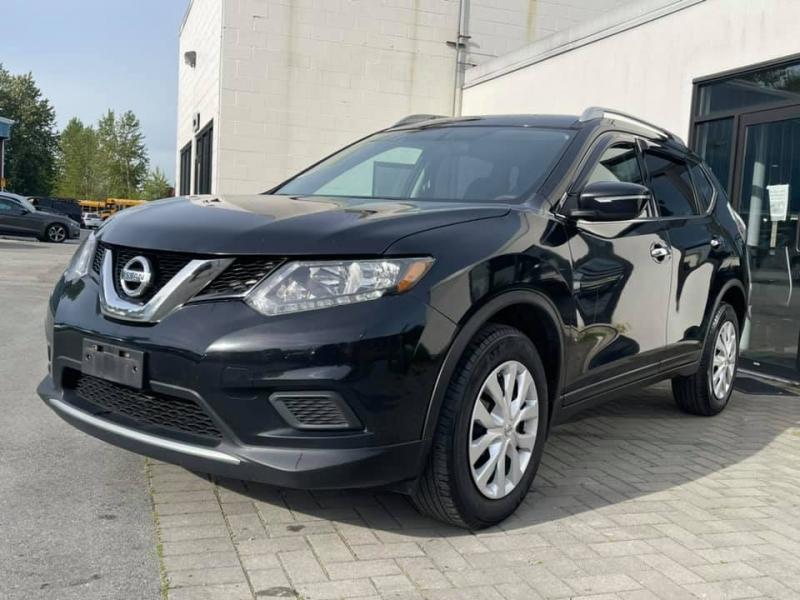Nissan Rogue 2015 price $12,869