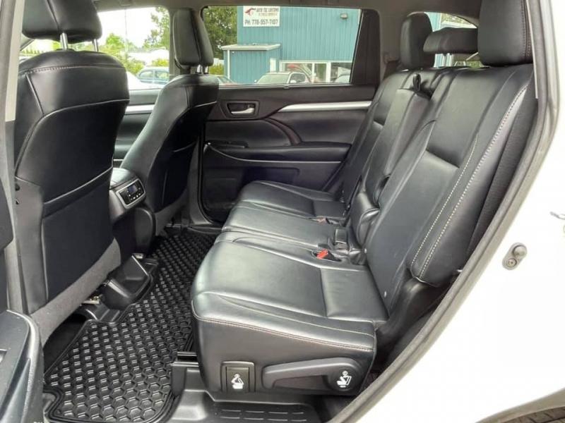 Toyota Highlander 2015 price $33,869