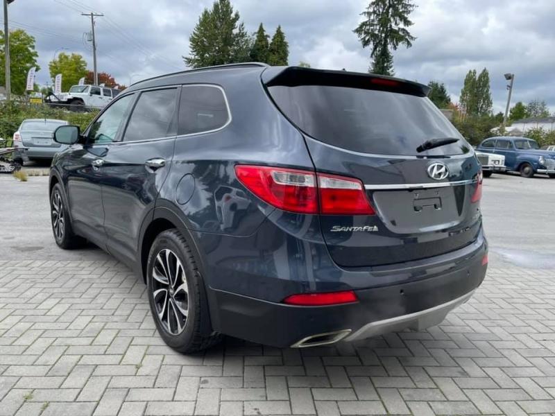 Hyundai Santa Fe 2016 price $17,869