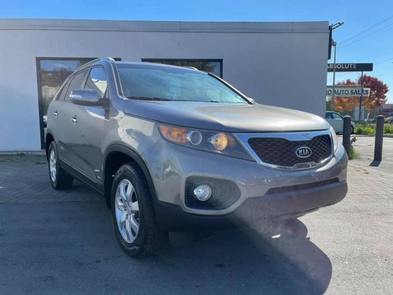 Kia Sorento 2012 price $6,896