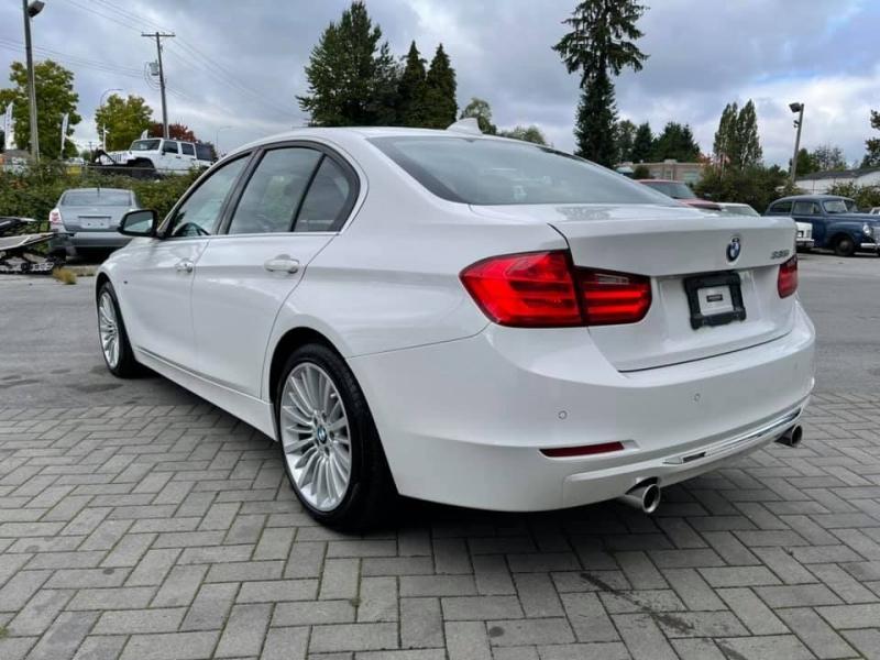 BMW 3-Series 2012 price $18,869
