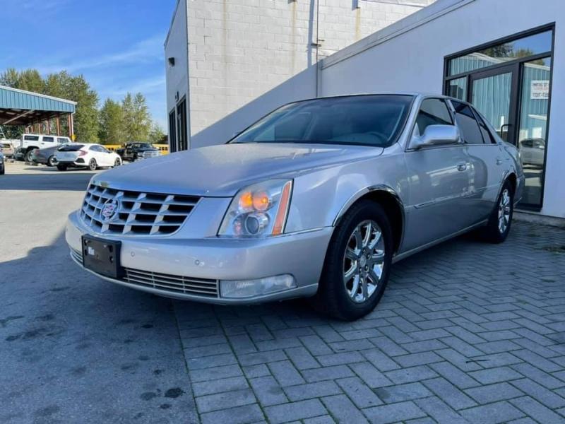 Cadillac DTS 2008 price $12,869