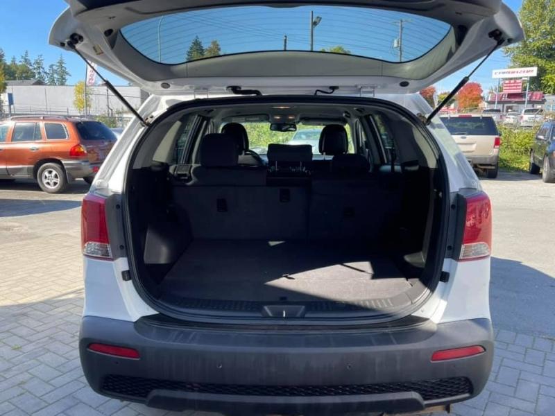 Kia Sorento 2012 price $8,869