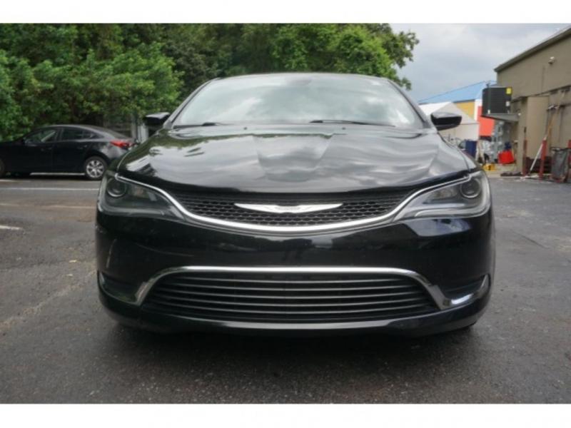 Chrysler 200 2016 price $14,553
