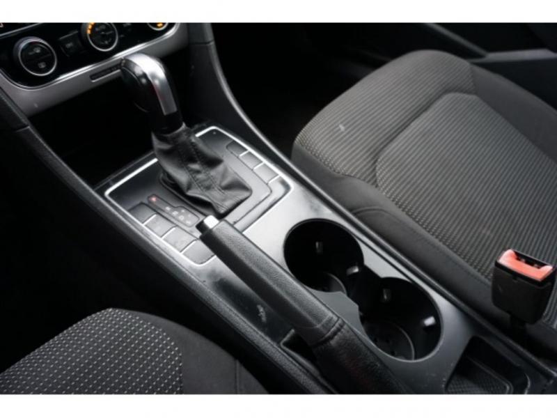 Volkswagen Passat 2016 price $10,590