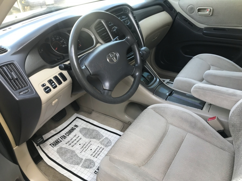 Toyota Highlander 2002 price $5,288