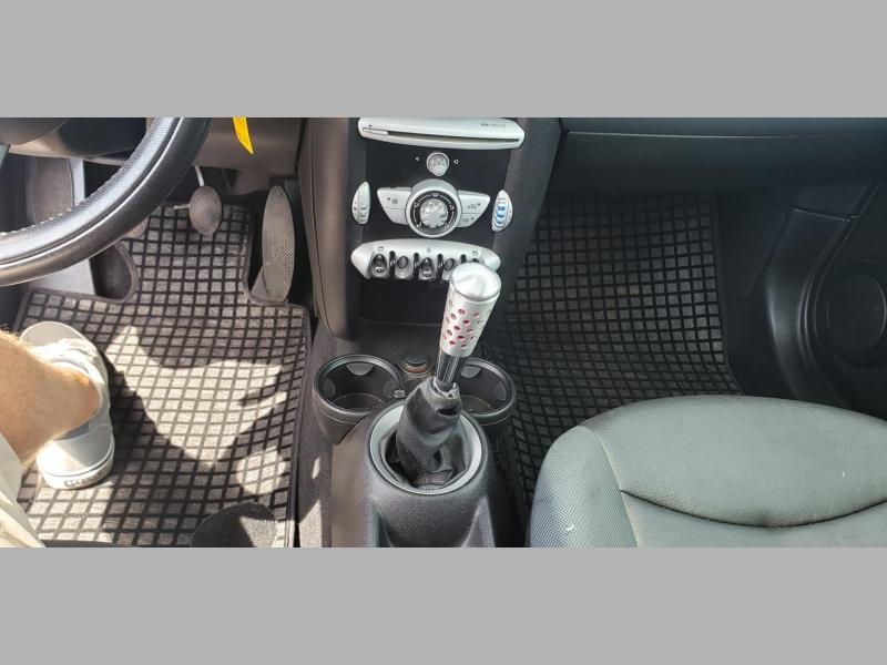 Mini Cooper Hardtop 2010 price $4,500