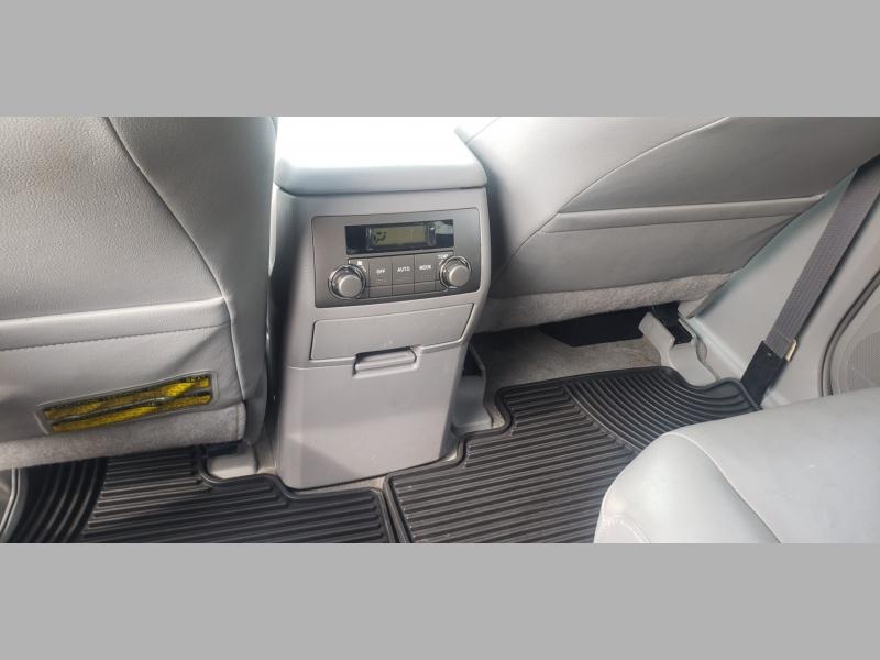 Toyota Highlander Hybrid 2008 price $9,900