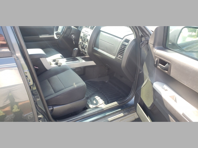 Ford Escape 2009 price $4,500