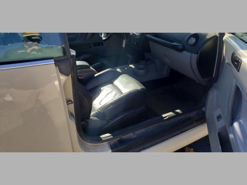 Volkswagen New Beetle Convertible 2005 price $4,900