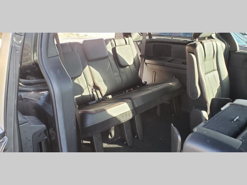 Dodge Grand Caravan 2017 price $12,900