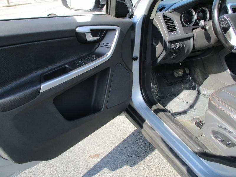 Volvo XC 60 2012 price $9,900