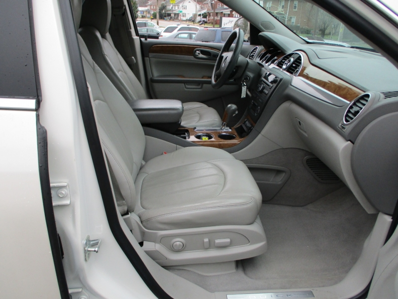 Buick Enclave 2011 price $8,500
