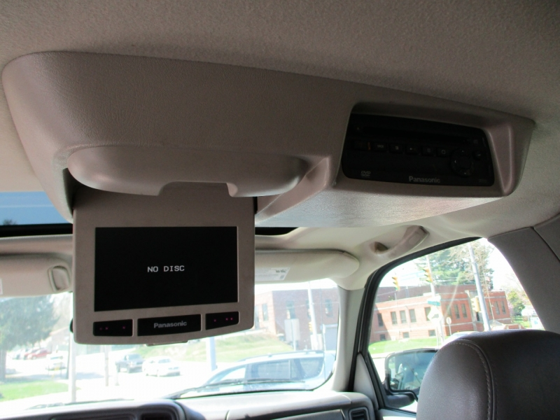 Chevrolet Suburban 2004 price $7,700