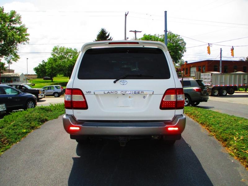 Toyota Land Cruiser 2006 price $14,900