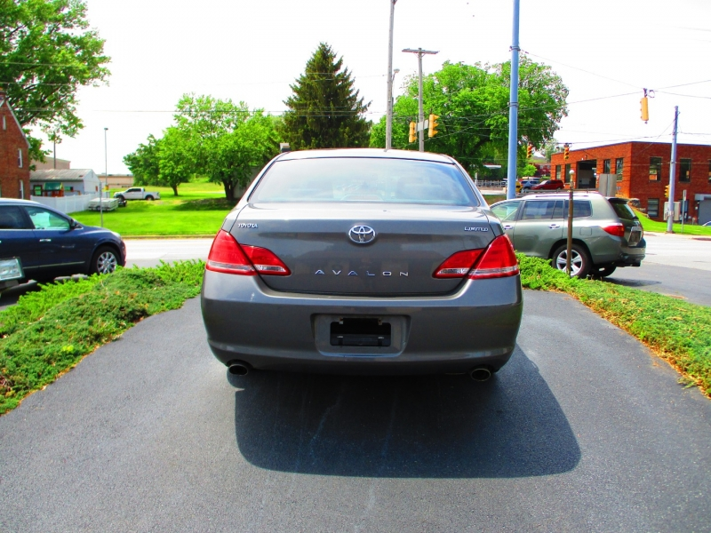 Toyota Avalon 2006 price $4,950