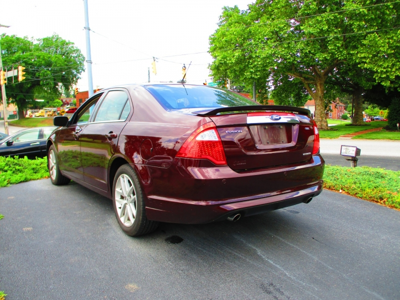 Ford Fusion 2011 price $8,900