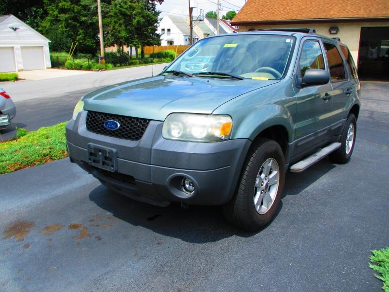 Ford Escape 2006 price $3,900