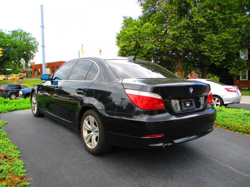 BMW 5-Series 2009 price $5,200