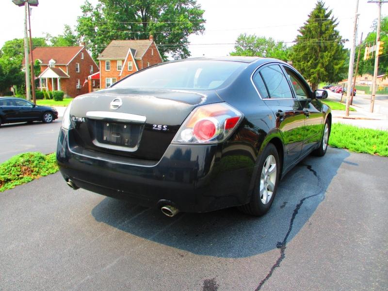 Nissan Altima 2007 price $3,900