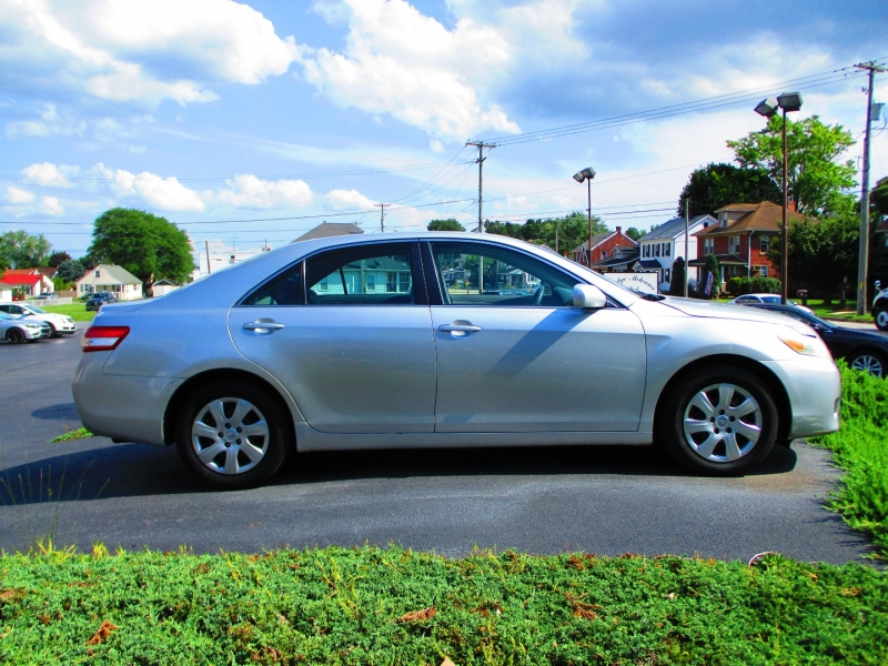 Toyota Camry 2010 price $7,900