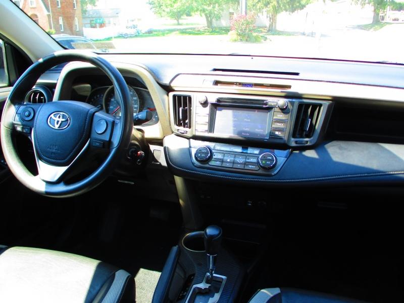 Toyota RAV4 2014 price $12,400
