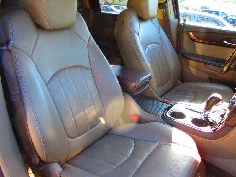 GMC Acadia 2015 price $23,900