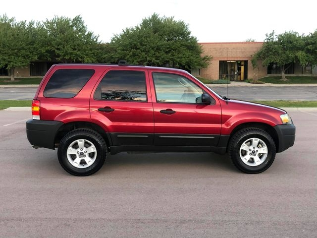 Ford Escape 2005 price $3,995
