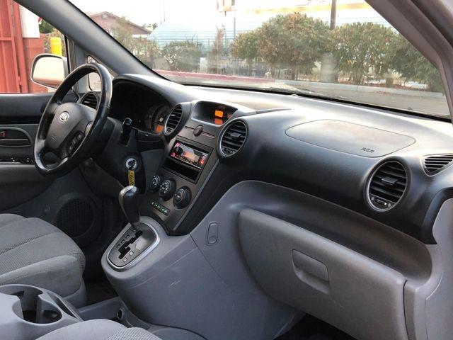 Kia Rondo 2007 price $2,995